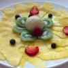 Carpaccio de Frutos Ácidos -Ananá-Arándanos-Fresas-Kiwi y Helado