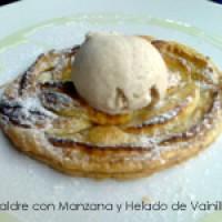 Hojaldre de manzanas con helado de vainilla de Madagascar