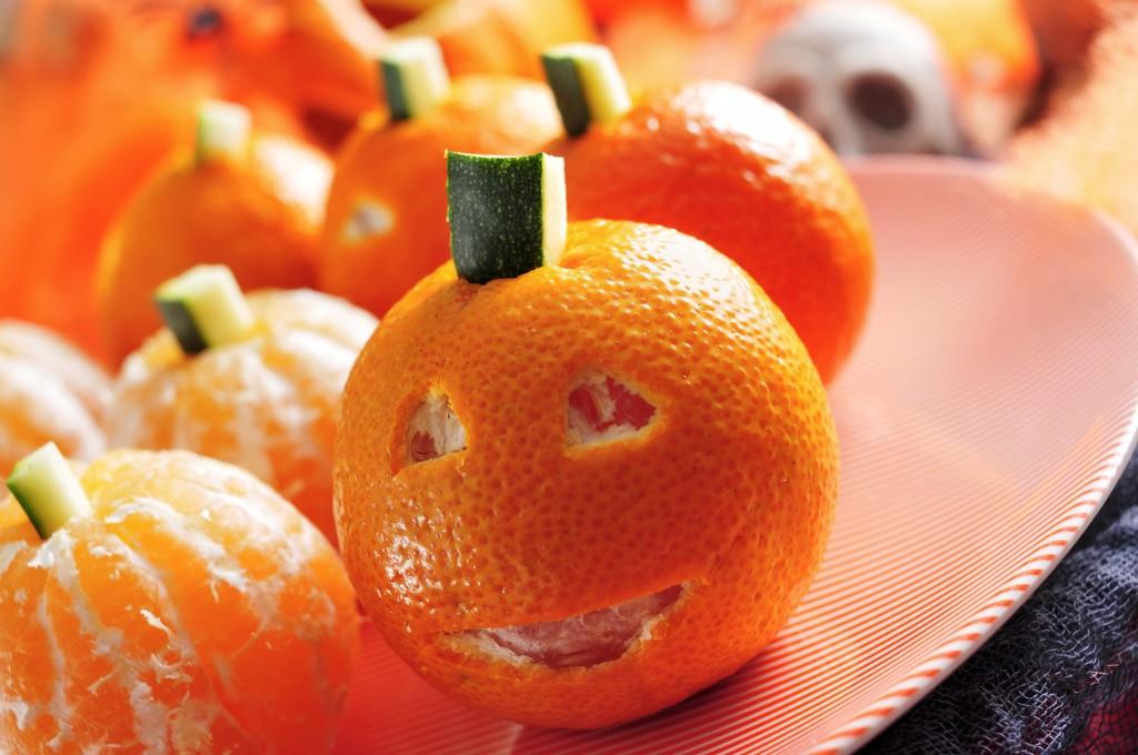 Halloween pumpkins, mandarinas